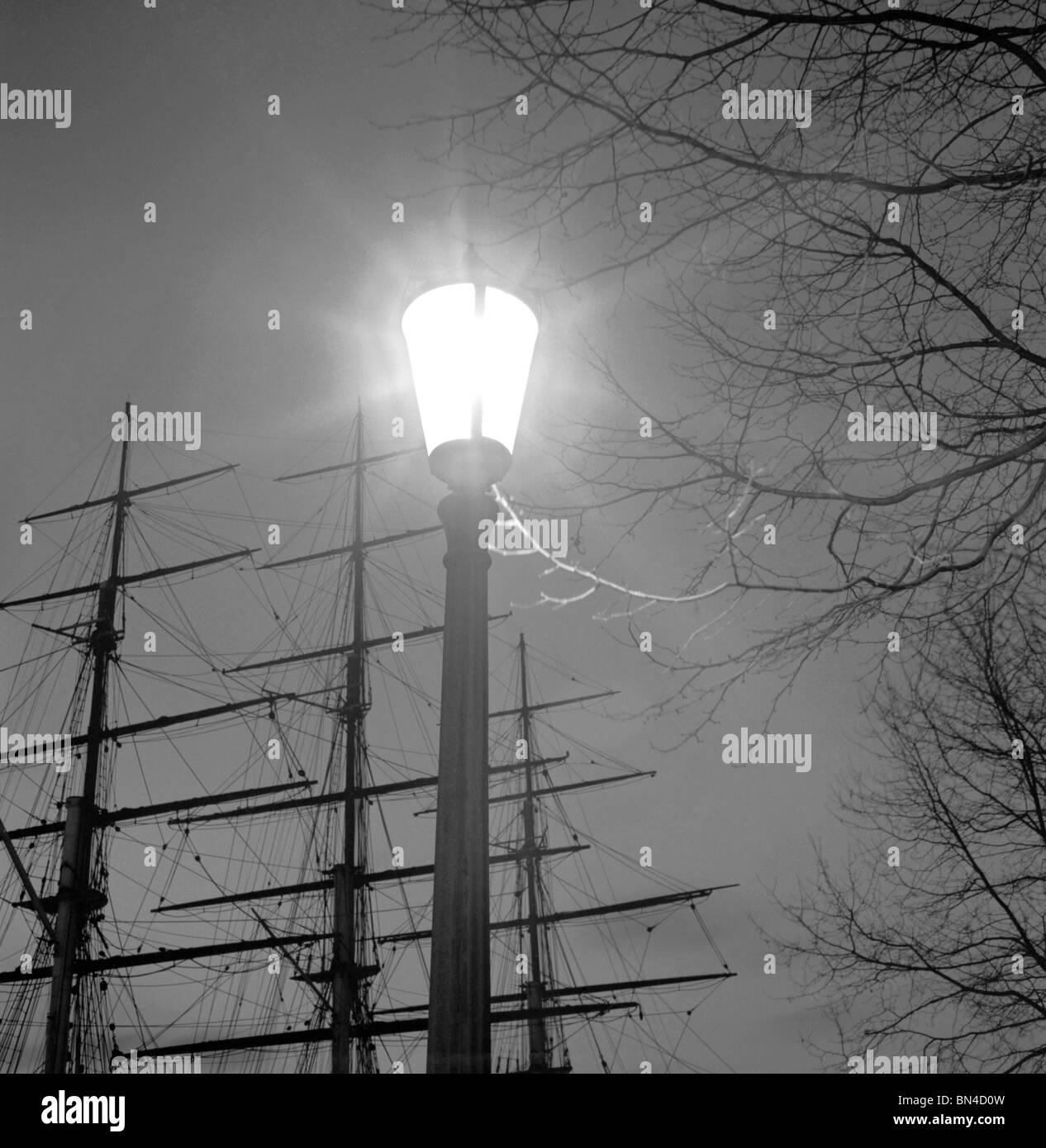 Streetlight, photo John Gay. London, England, 1940s Stock Photo