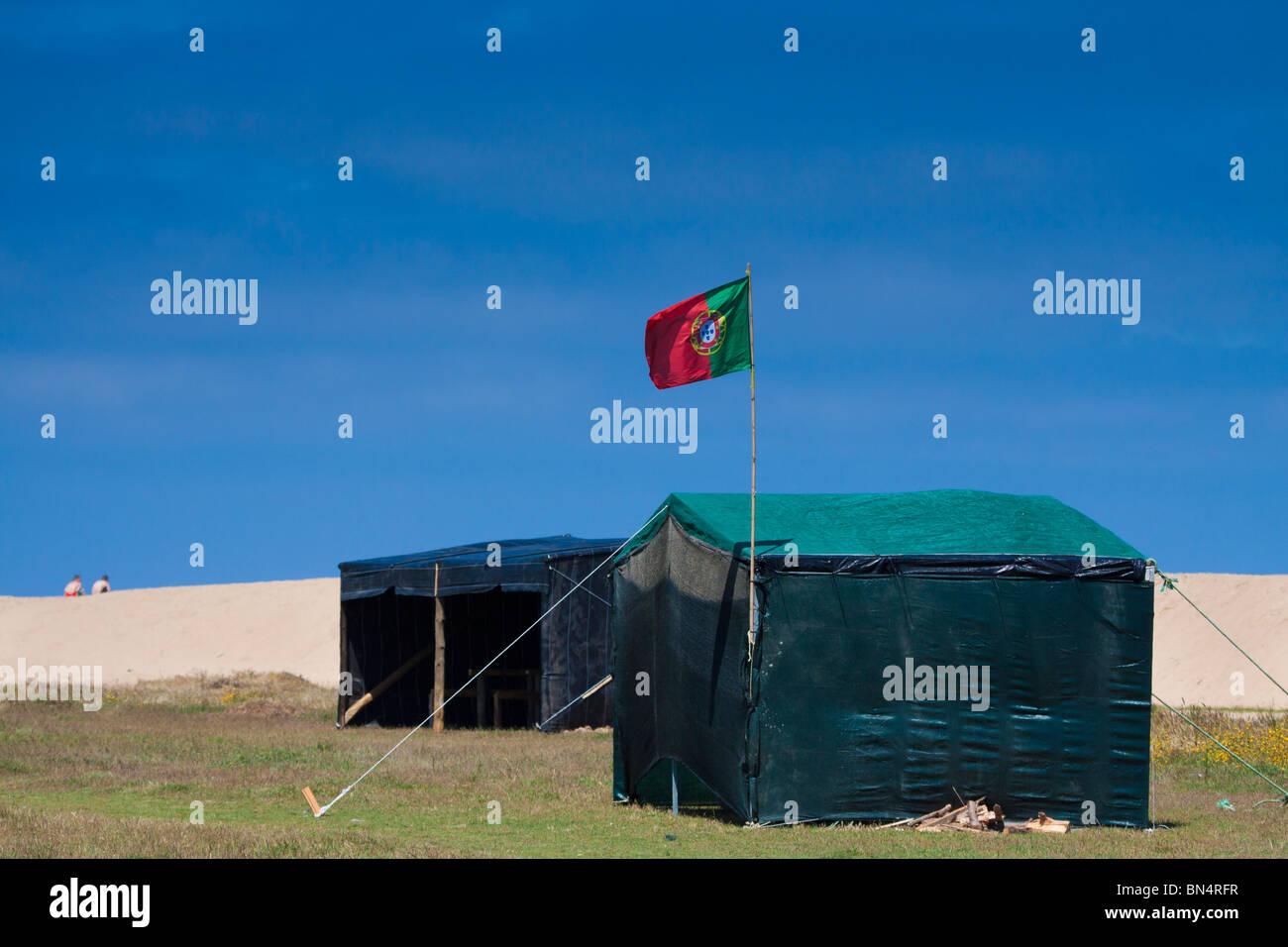 beach flag portugal sea shack sisandro torres vedras - Stock Image