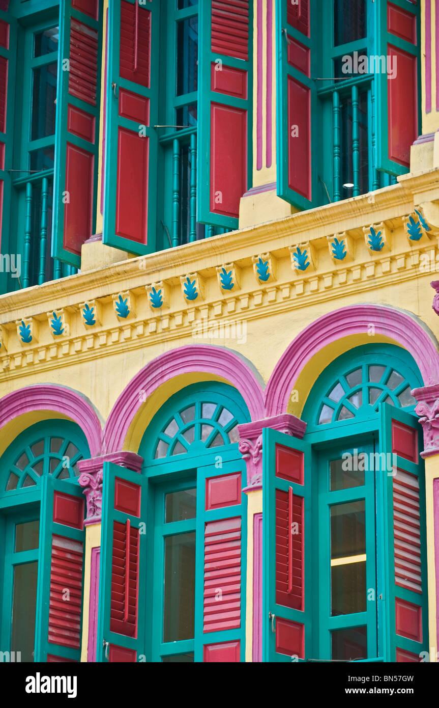 Colourful shophouses Chinatown Singapore - Stock Image