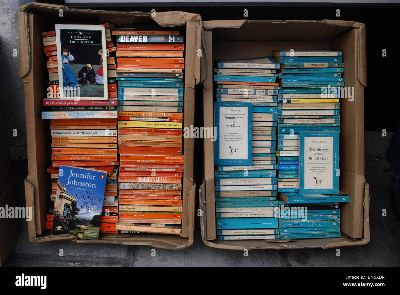Penguin and Pelican paperbacks at a secondhand bookshop in Edinburgh. Stock Photo