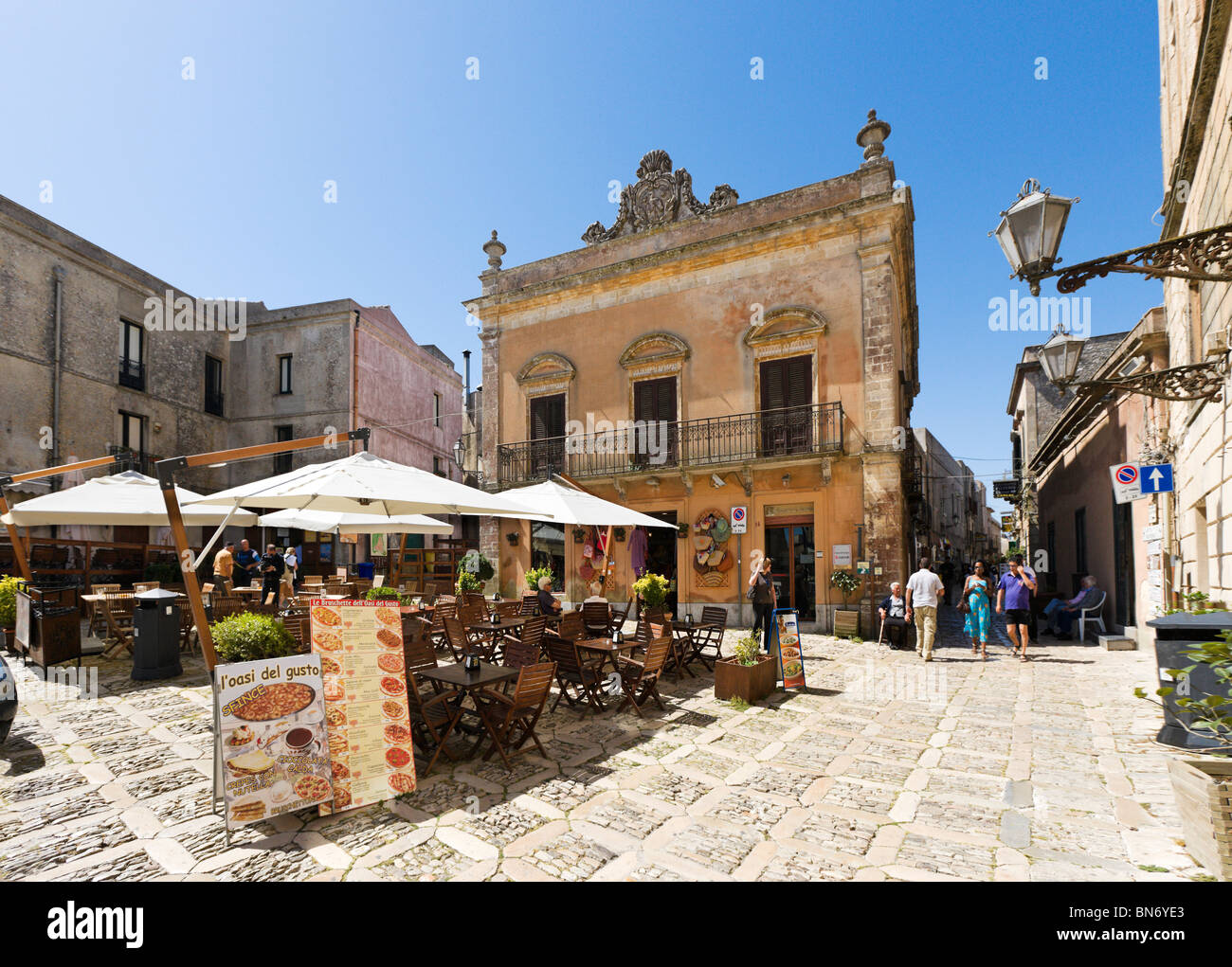 Restaurant in Piazza Umberto (the Main Square), Erice, Trapani region, North West Sicily, Italy Stock Photo