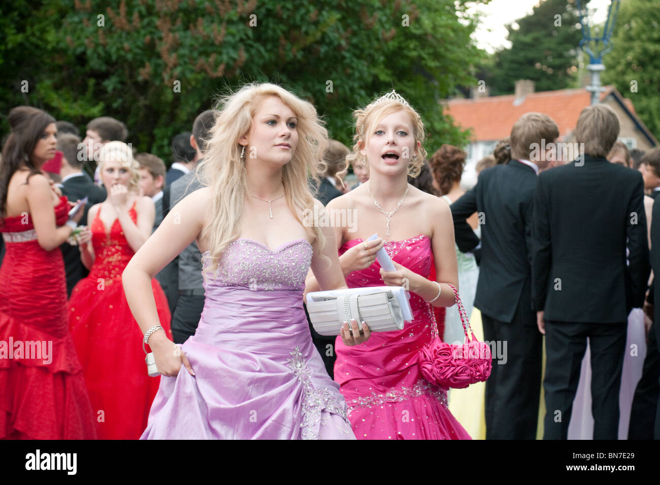 Teenage girls and boys dressed up for their Secondary School Prom,  Cambridgeshire, UK - Stock Image