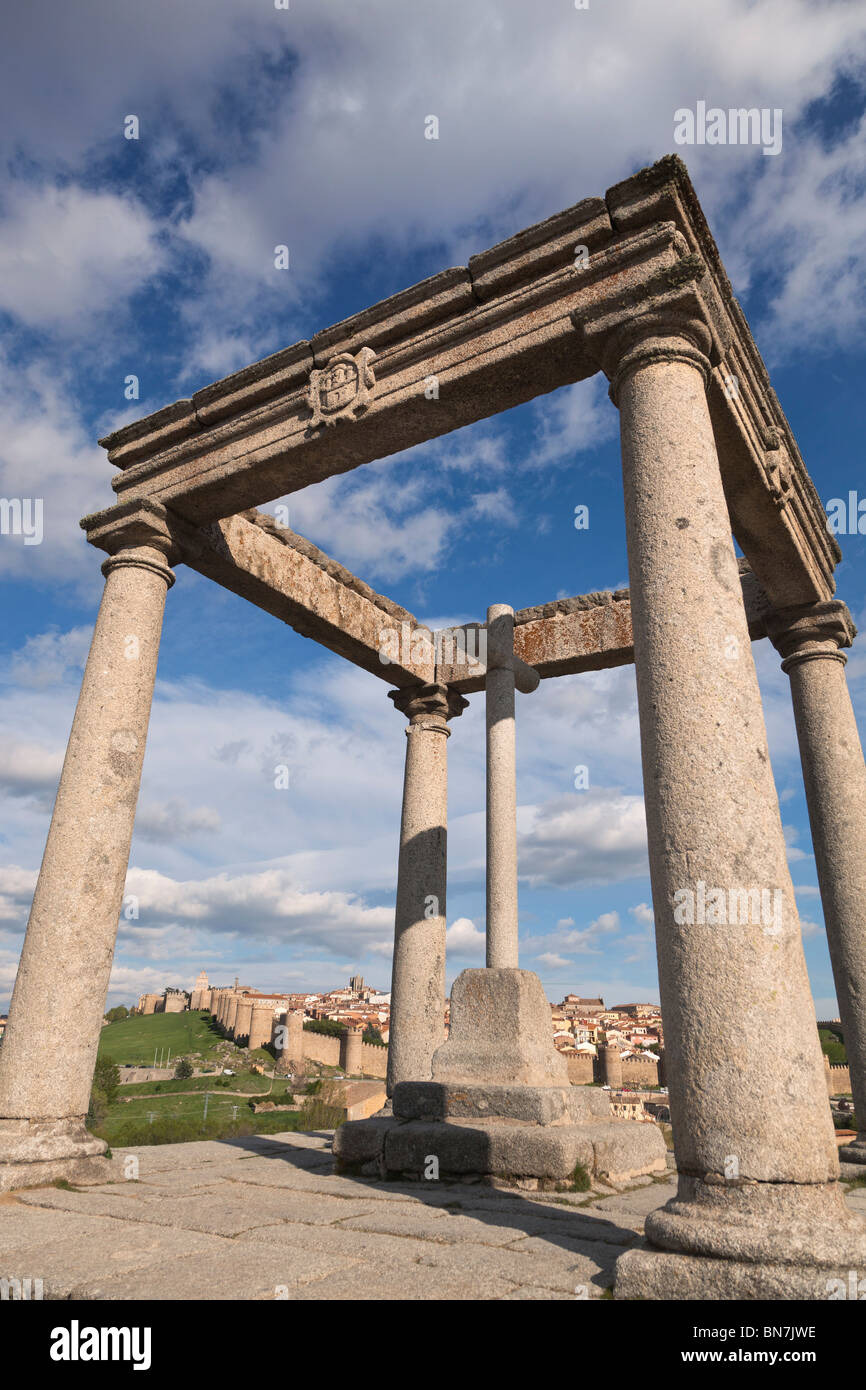 Avila, Avila Province, Spain. The city seen from Los Cuatro Postes. The four pillars. - Stock Image