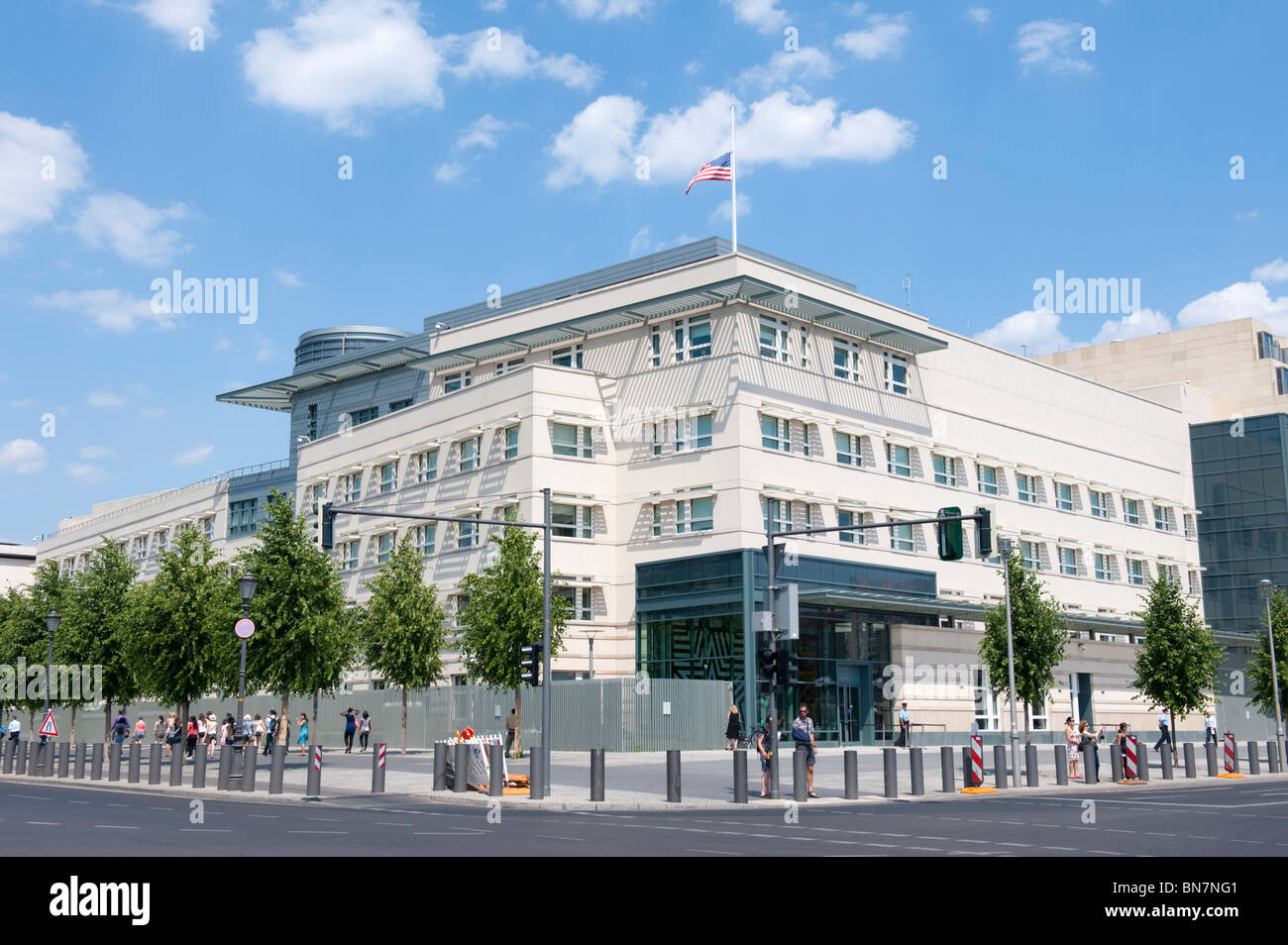 Exteror view of new Embassy of United States of America in Berlin Germany - Stock Image