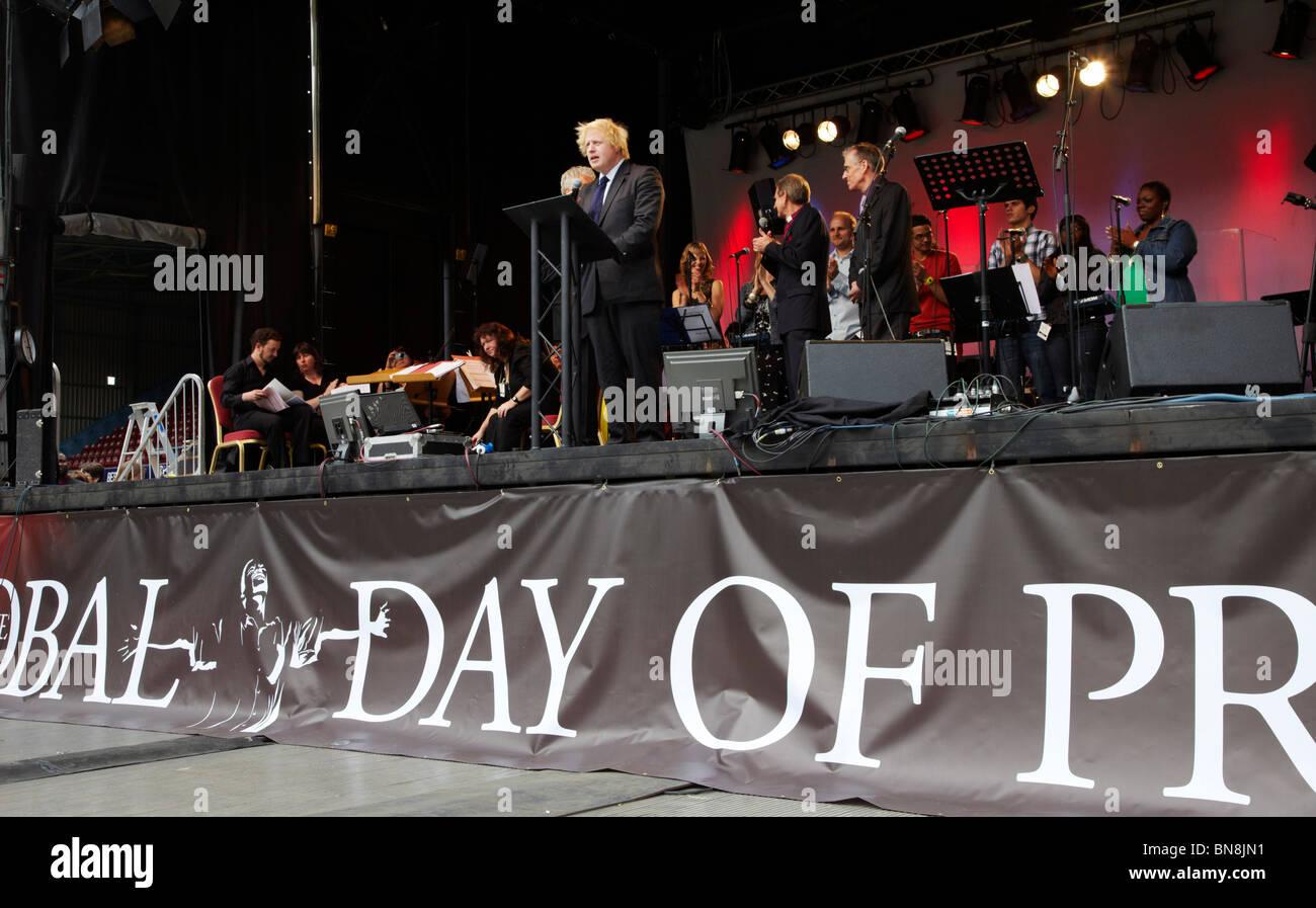 Boris Johnson, Mayor of London, speaking at the 2010 London Global Day of Prayer. - Stock Image