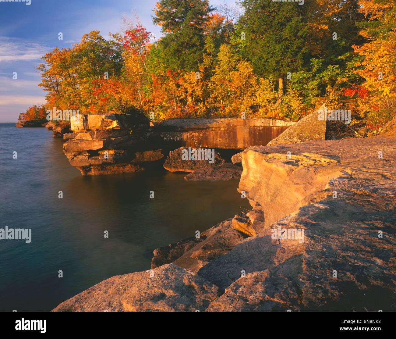 Lake Superior: Lake Superior Wisconsin Autumn Stock Photos & Lake
