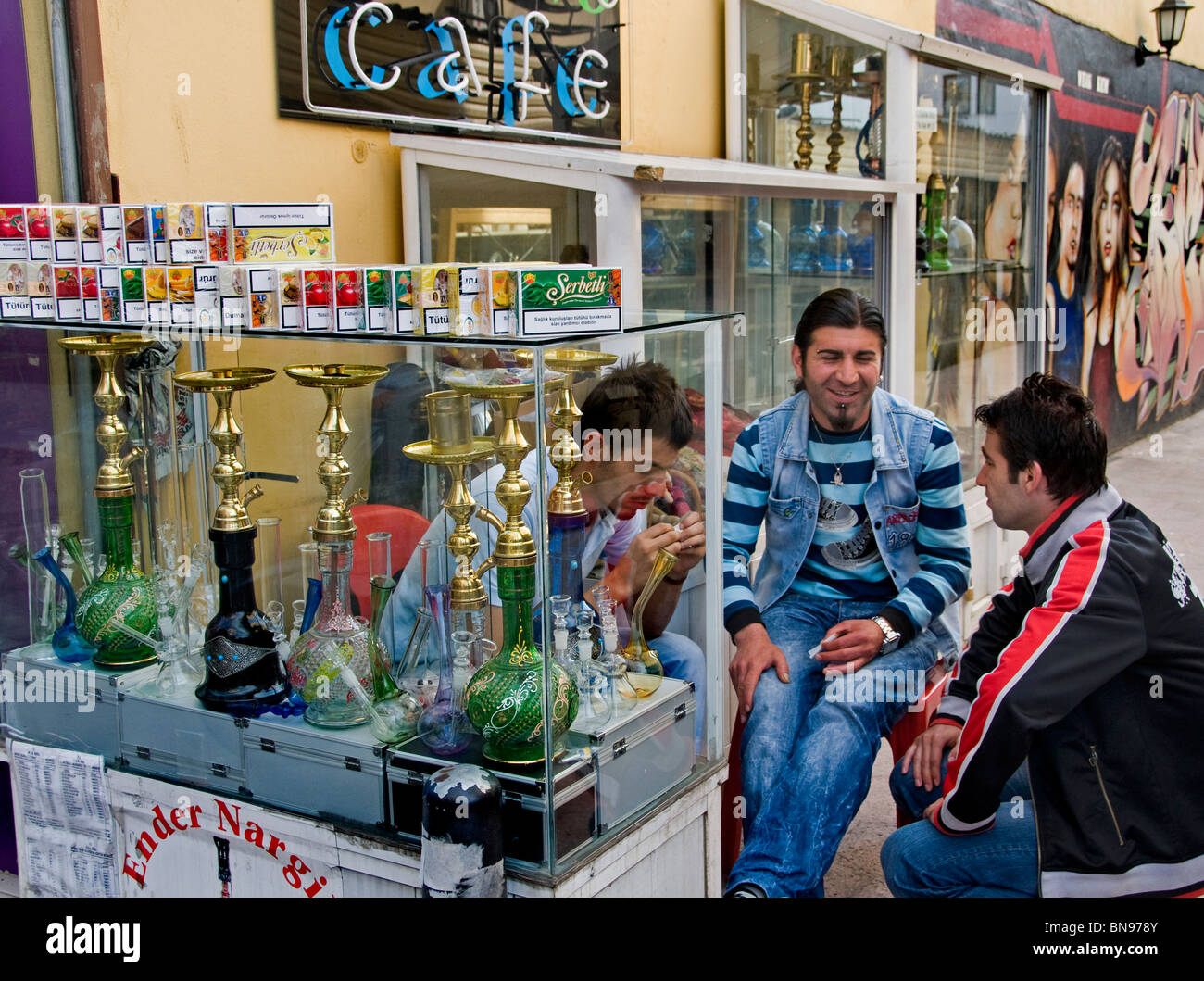 Turkey Istanbul smoking water pipe lung cancer - Stock Image