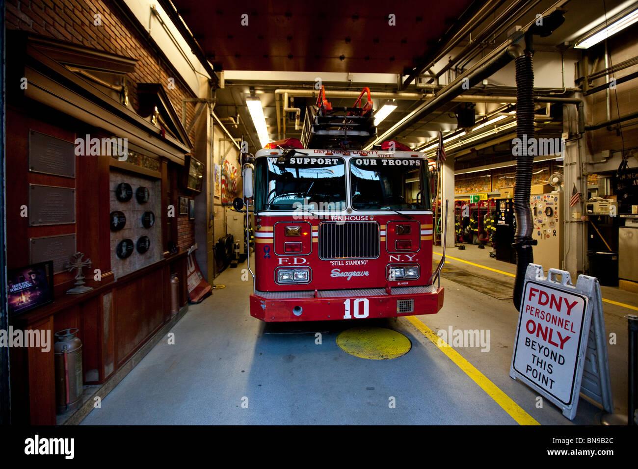 Ladder 10 Engine 10, World Trade Center Fire House, downtown Manhattan, New York City - Stock Image