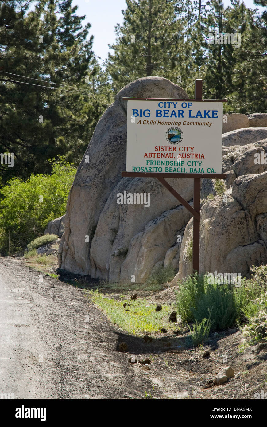 The sign that marks the city limits at Big Bear Lake, California, USA - Stock Image