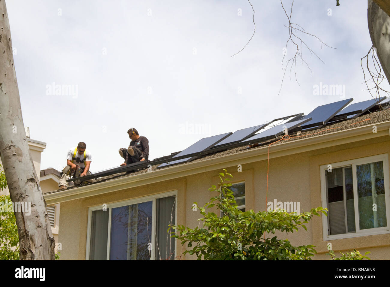 Solar Power Clean Green Energy Panel Roof Home House Generate Electricity  Save Conserve Sun Install Installation New Sunpower