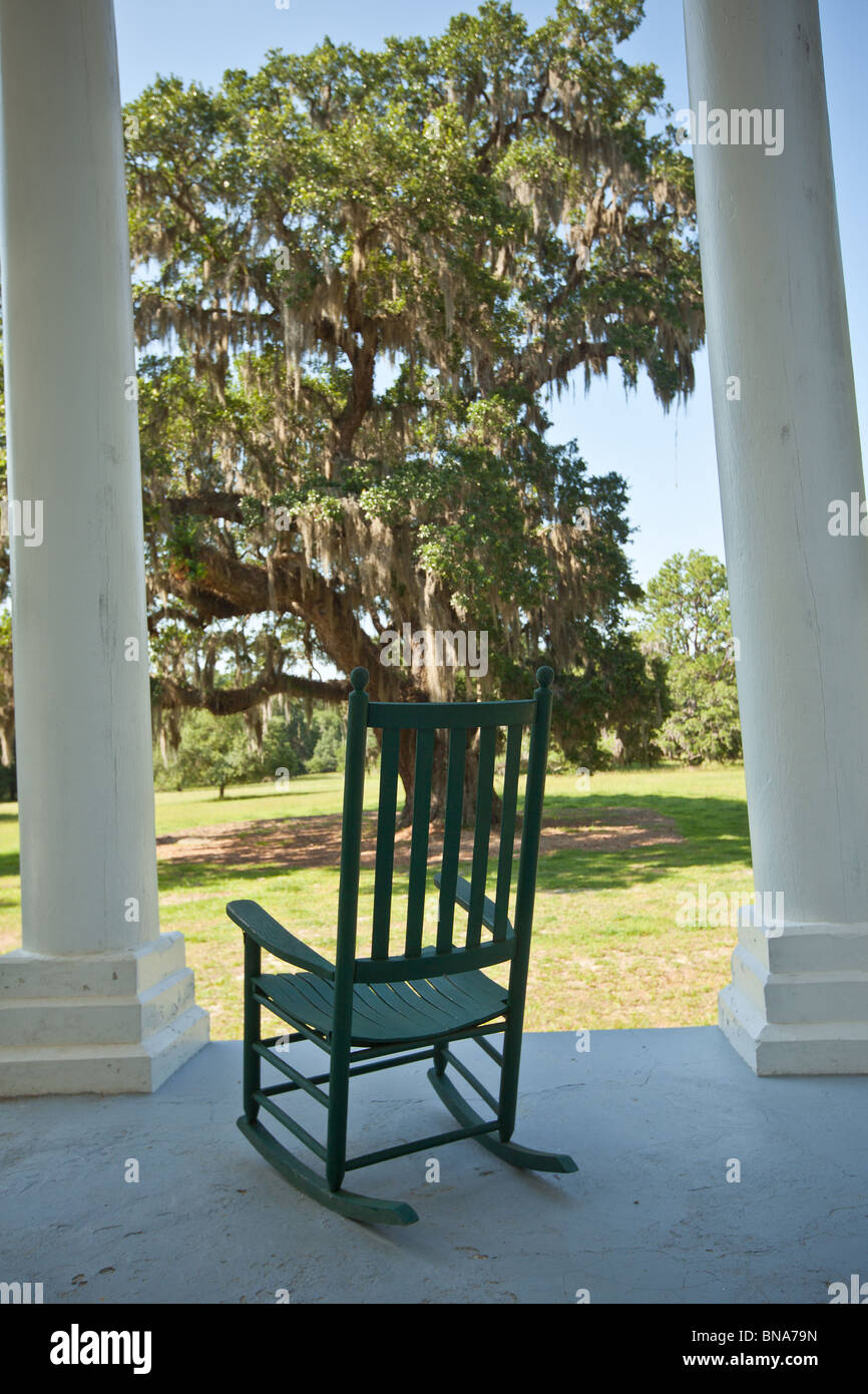 Rocking chair on the porch of Hampton Plantation McClellanville, SC - Stock Image