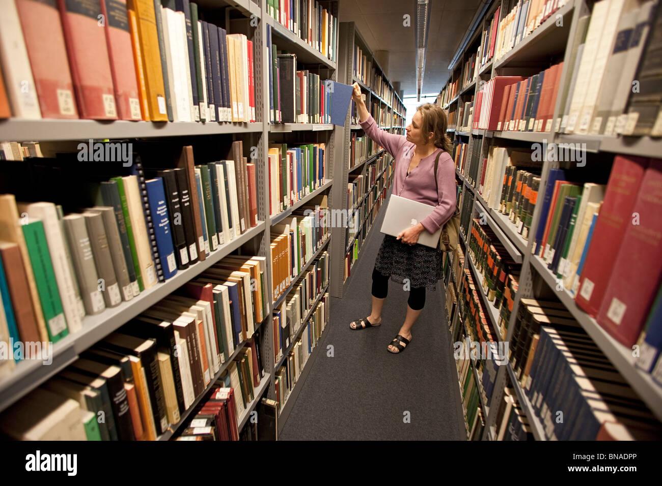 Book shelves in the Philologische Bibliothek of the Freie Universitaet Berlin, designed by Norman Foster, Berlin, - Stock Image