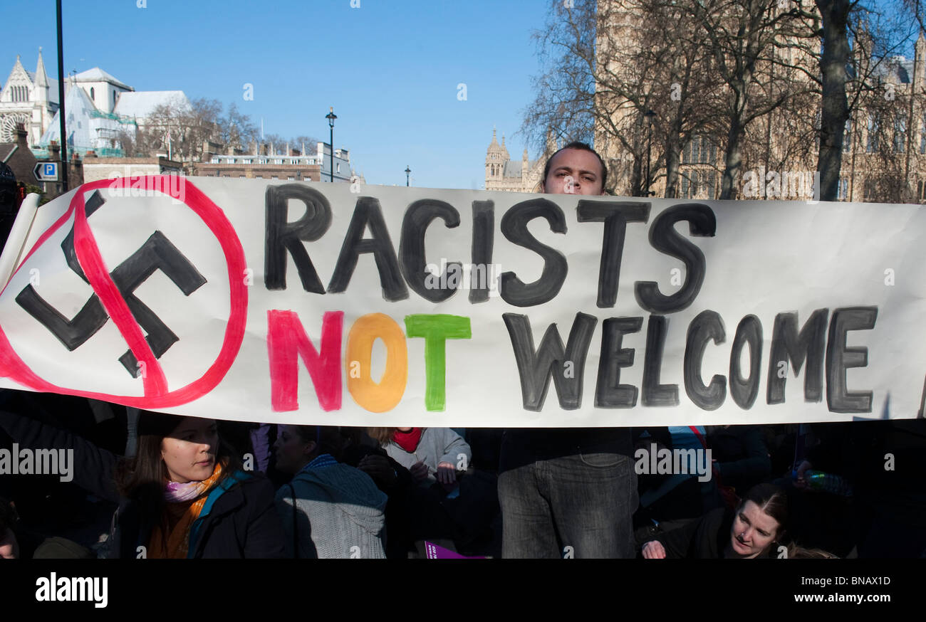 Anti racist group during an EDL demonstration in support of Dutch  MP Geert Wilders London 5 March 2010 - Stock Image