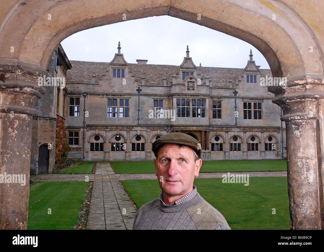 George Kelley,MBE, the custodian at Apethorpe Hall, Northants., 2008. - Stock Image