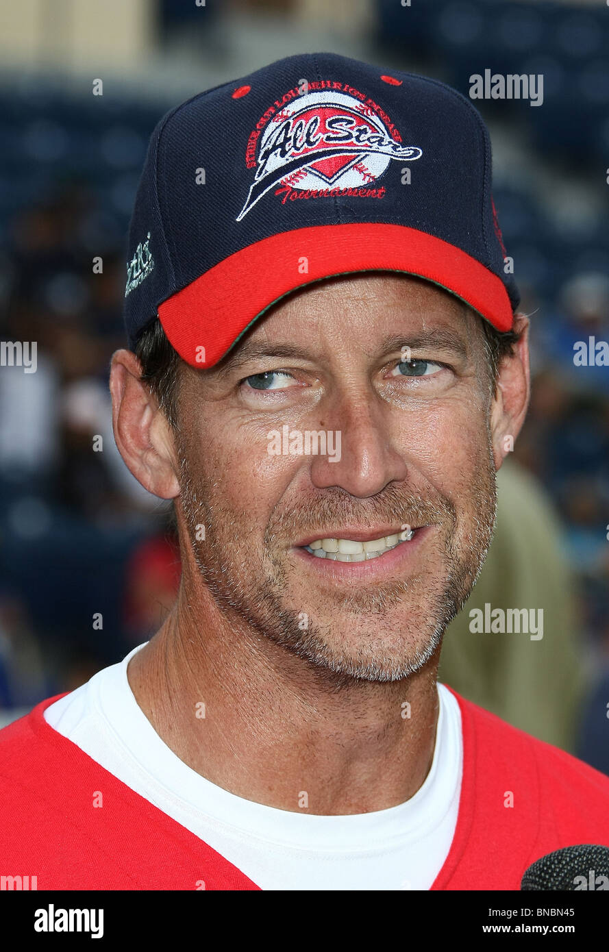 JAMES DENTON THE STEVE GARVEY'S CELEBRITY SOFTBALL CLASSIC MALIBU CA 10 July 2010 - Stock Image