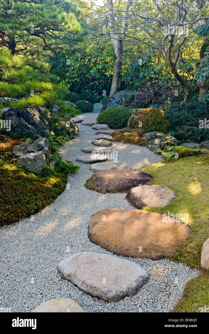 Stepping Stones Pathway Japanese Garden - Stock Image