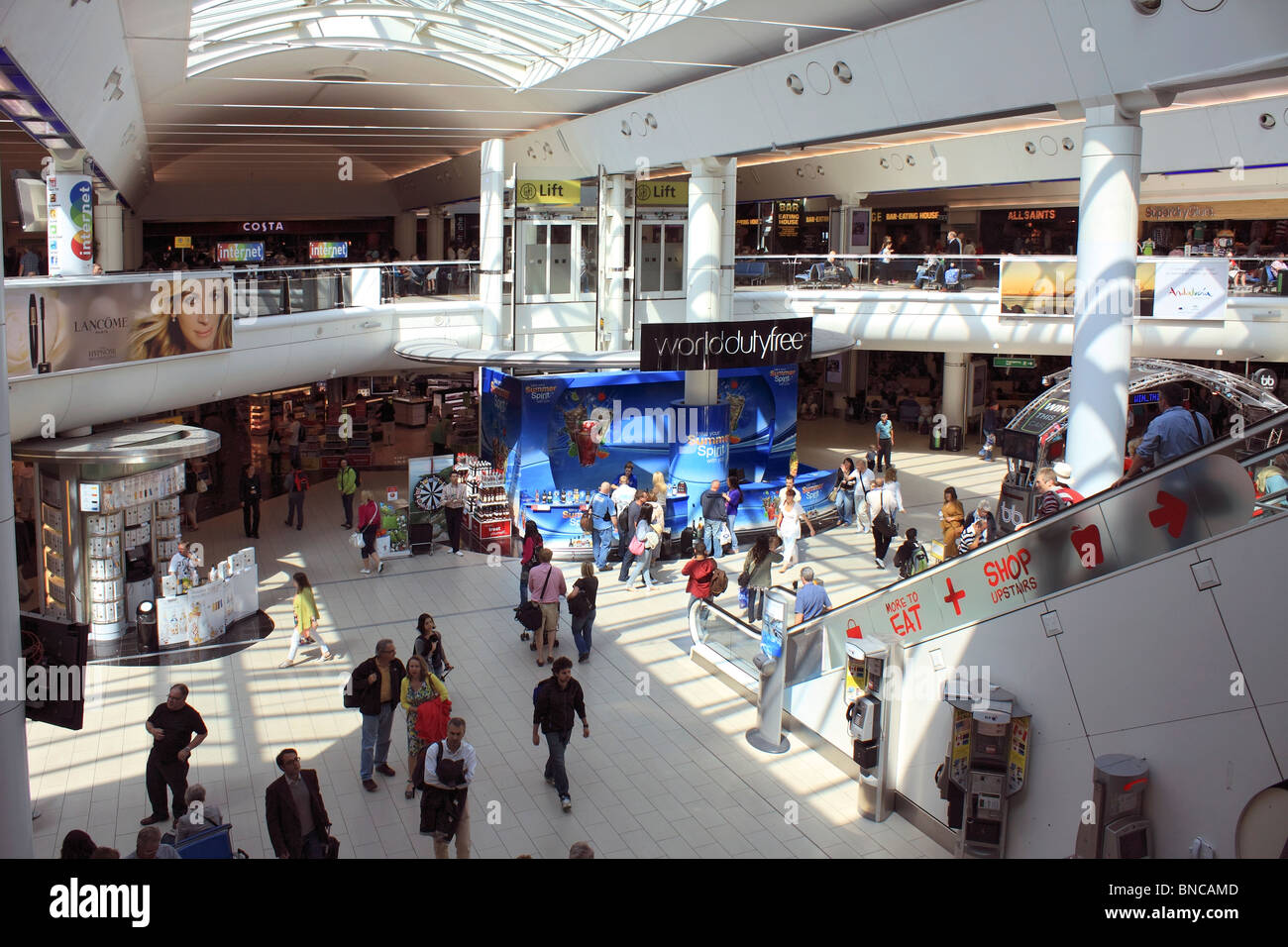 Gatwick South Terminal Shops >> Duty Free Shopping At Gatwick Airport South Terminal West