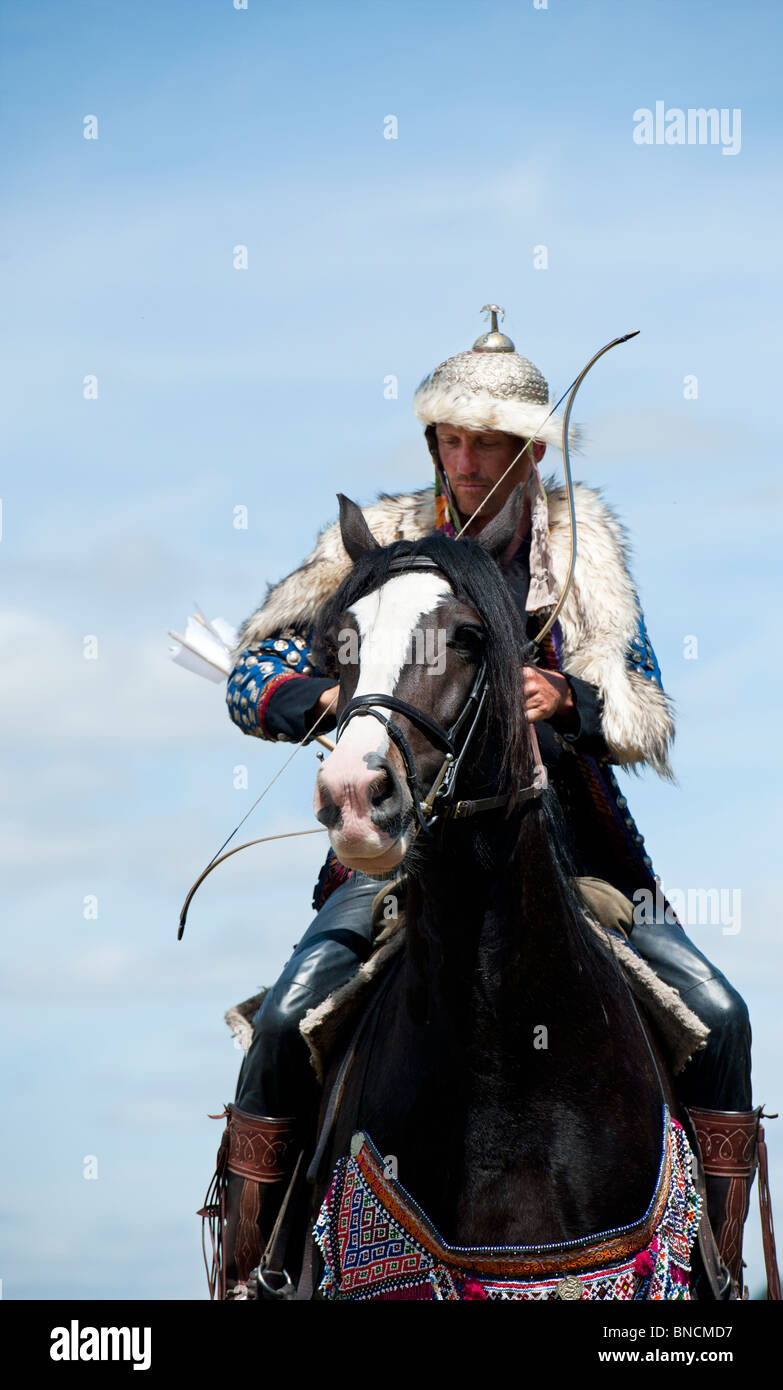 Mongolian horse archer re-enactment at the Tewkesbury medieval festival 2010. Tewkesbury, Gloucestershire, England - Stock Image