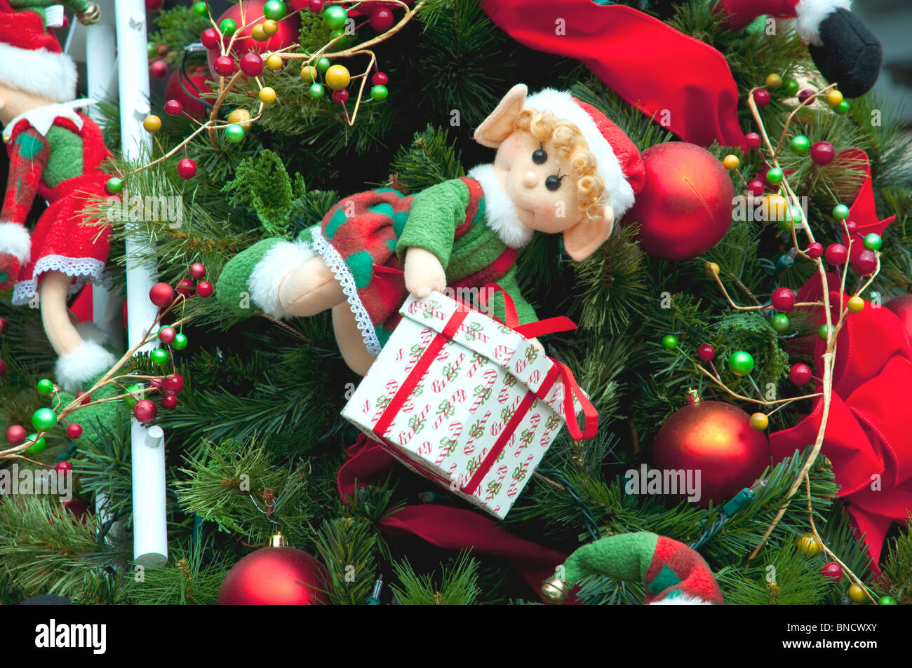 Christmas tree decorations at the Larcomar Mall in Miraflores, Lima, Peru, South America. - Stock Image