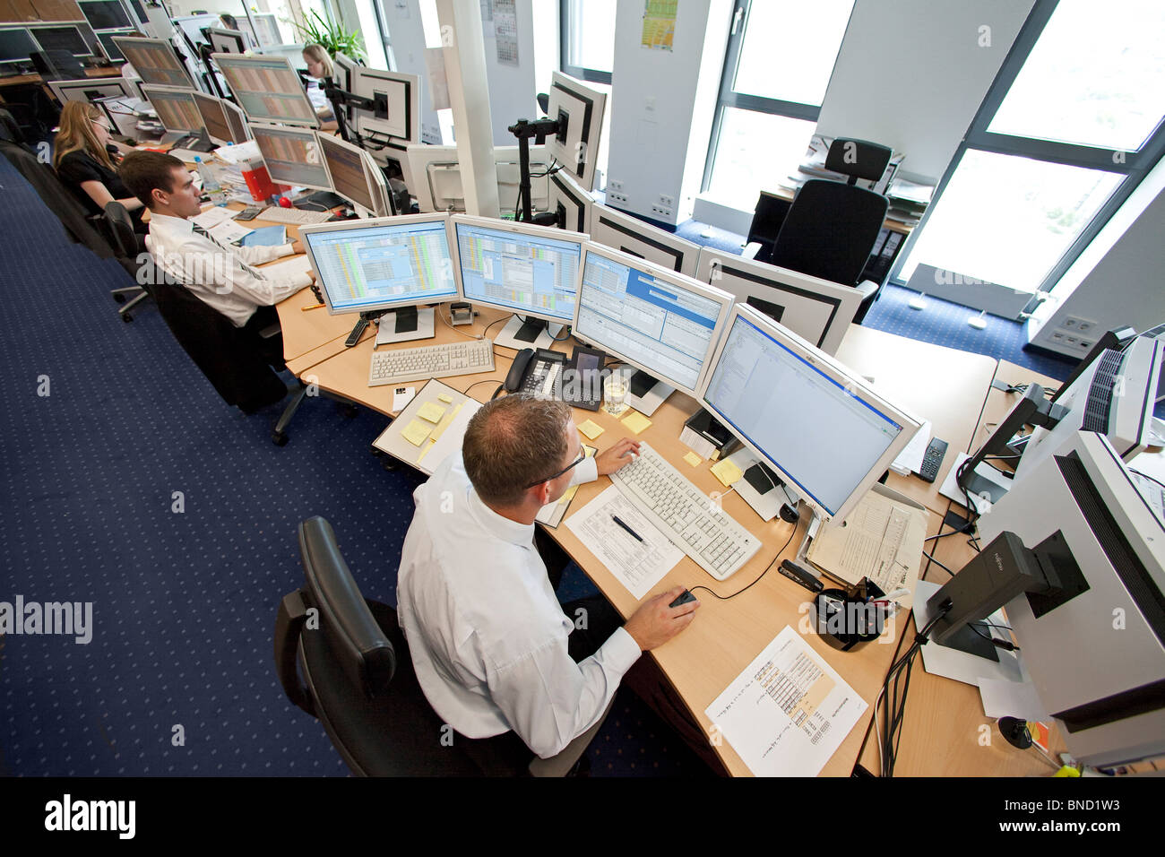 European Energy Exchange, EEX, brokers in the trading room at computers, Leipzig, Germany - Stock Image