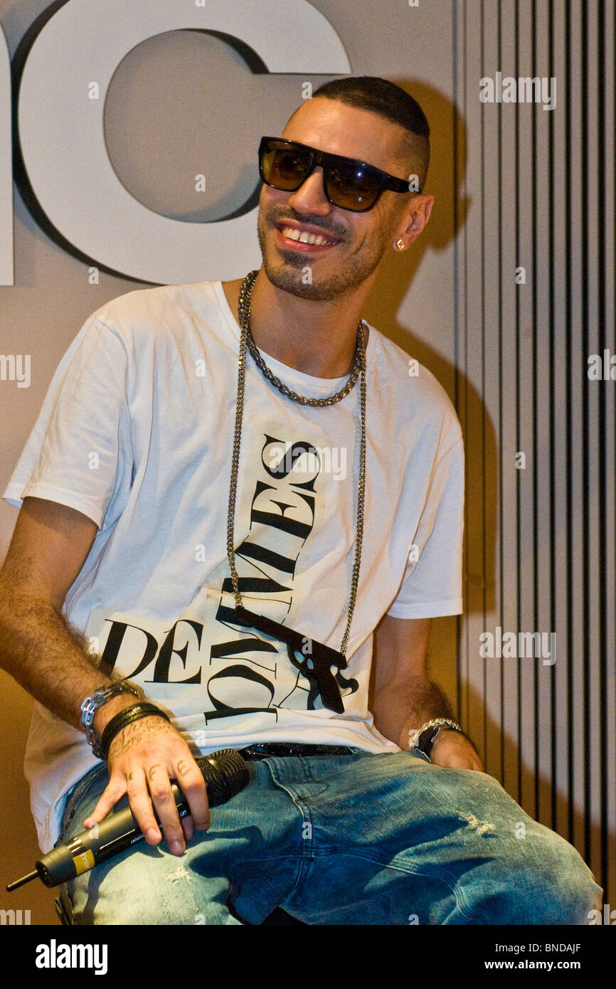 Marracash Italian Fnac Milan Rapper High Resolution Stock Photography And Images Alamy