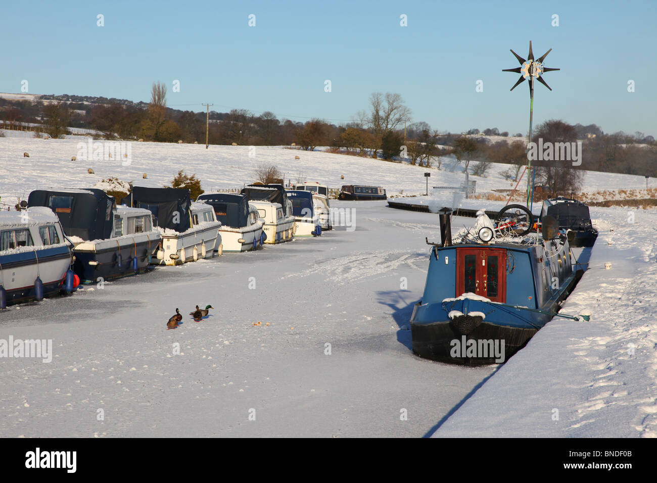 Frozen canal at Barrowford Nelson Lancashire - Stock Image