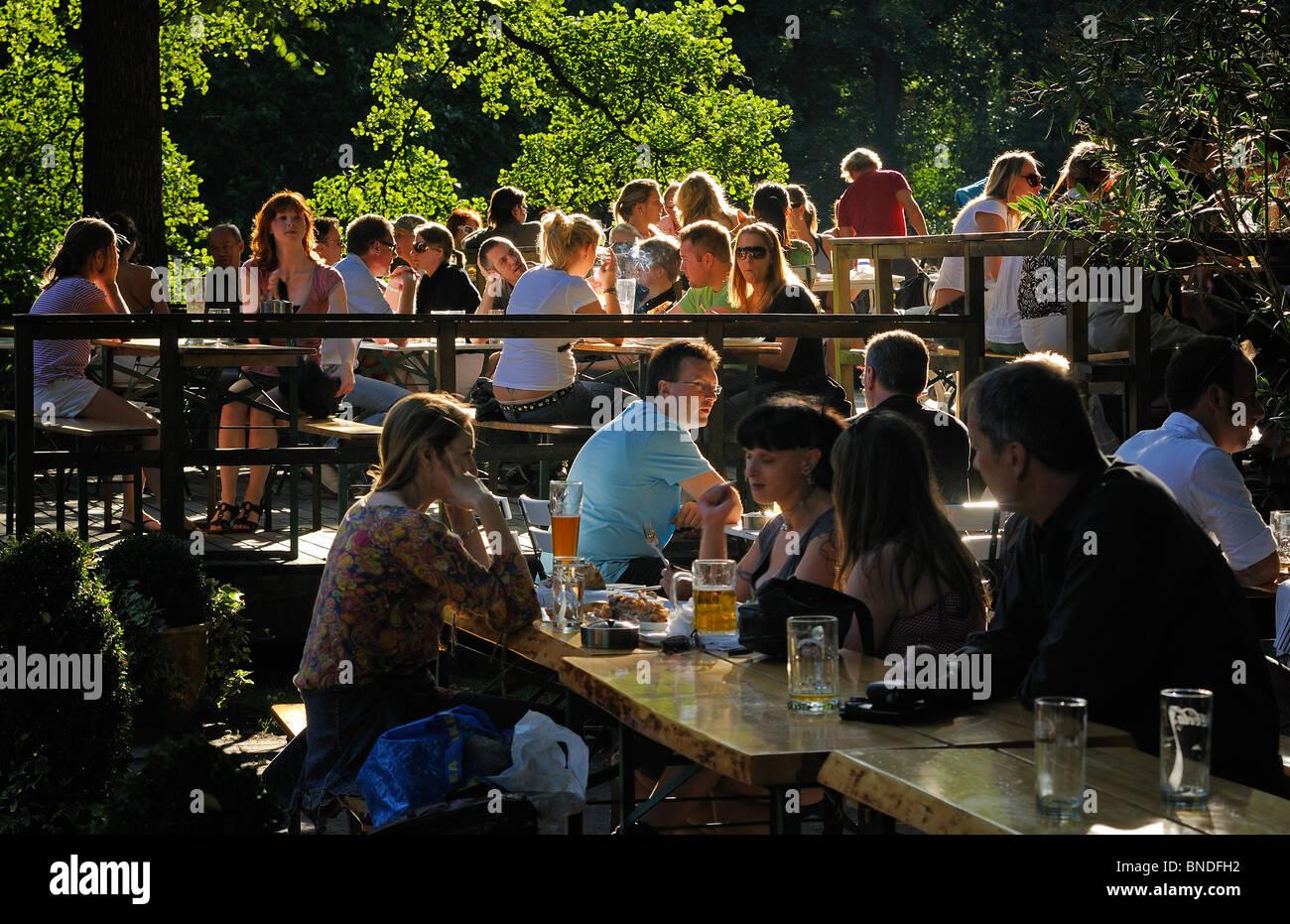 Café am Neuen See, beer garden, Neuer See lake im Grosser Tiergarten, Tiergarten, Mitte, Berlin, Germany, Europe - Stock Image