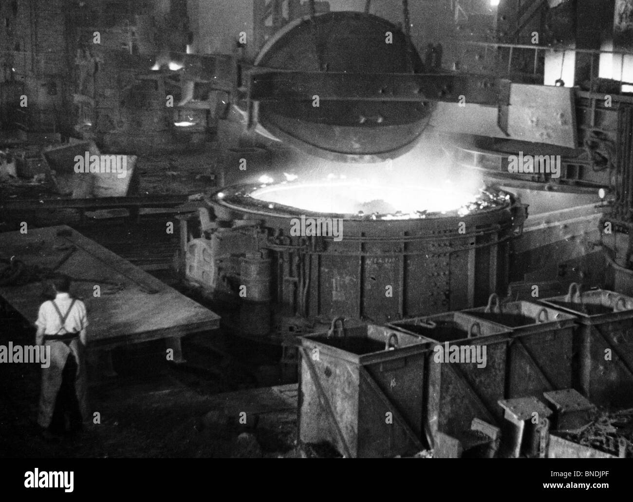 Foundry Worker Black and White Stock Photos & Images - Alamy