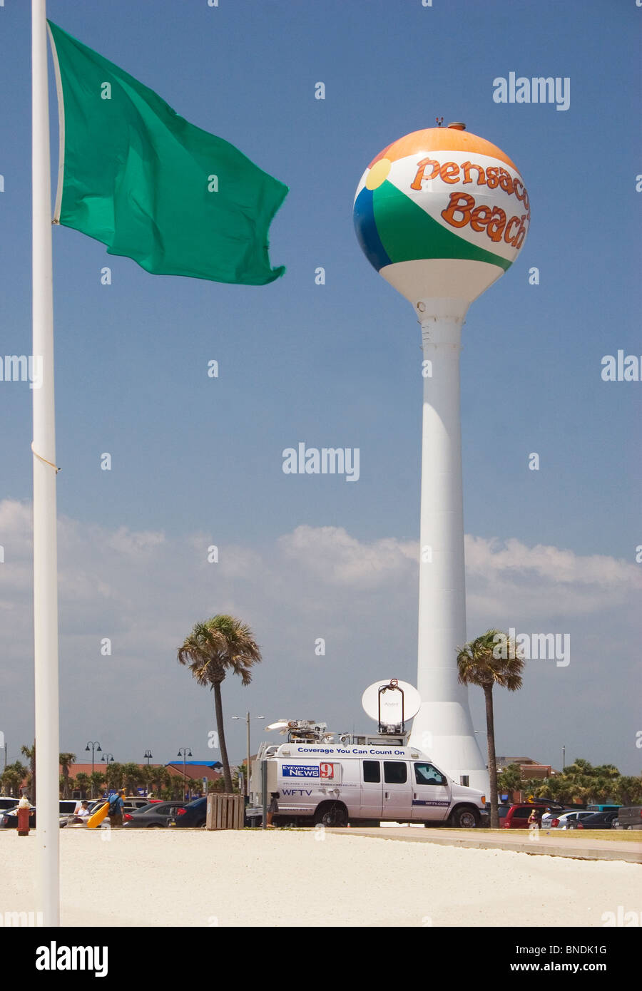 News truck parked at Pensacola Beach, Florida during the third month of the BP oil spill.  July, 2010. - Stock Image