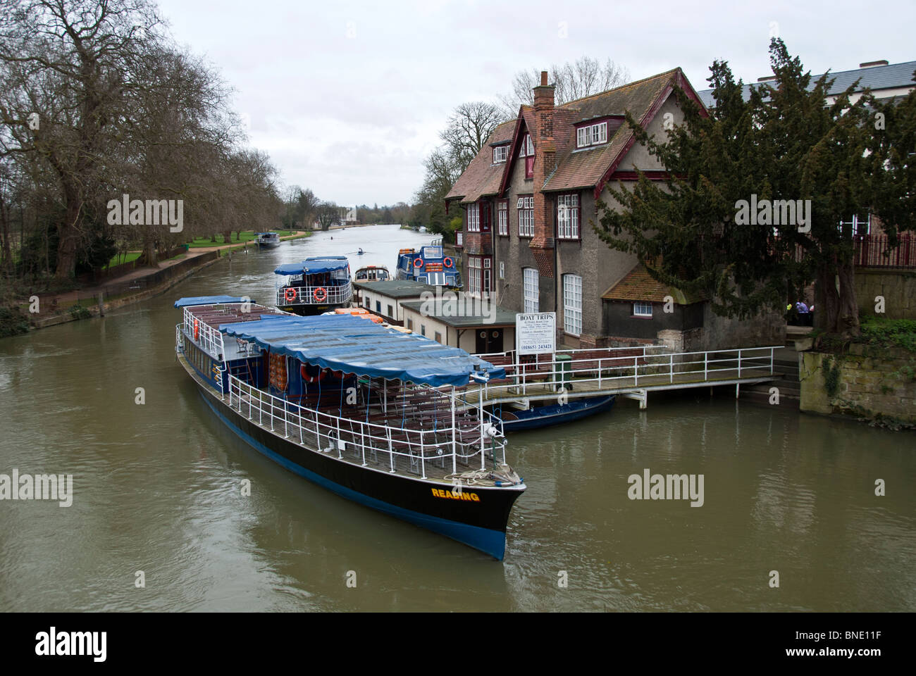 BOAT ON THE OXFORD CANAL - Stock Image