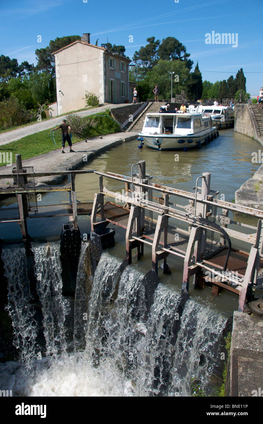Lock on the Canal du Midi near Carcassonne, Languedoc, France - Stock Image