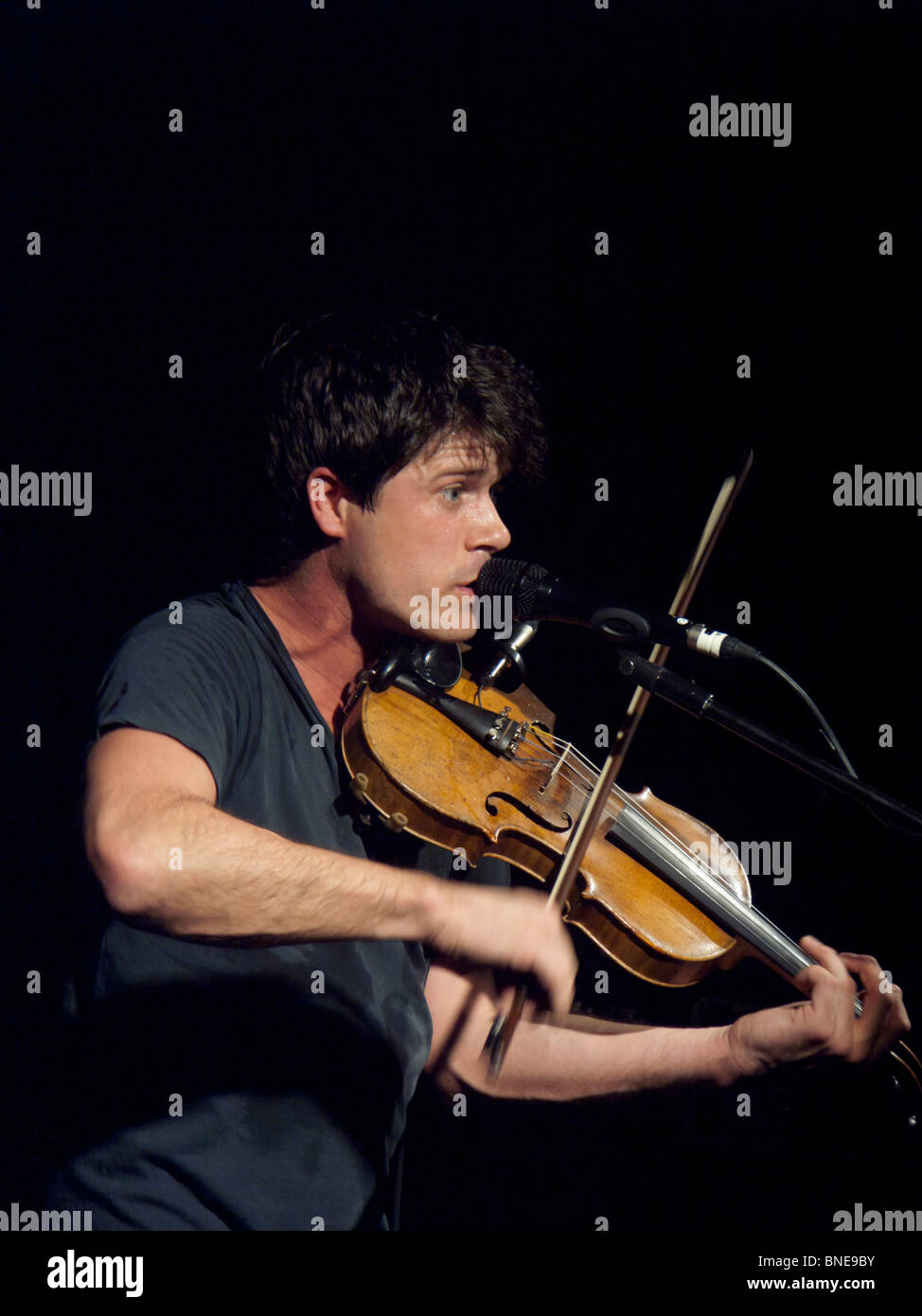 Live music gig - Seth Lakeman in concert - Stock Image