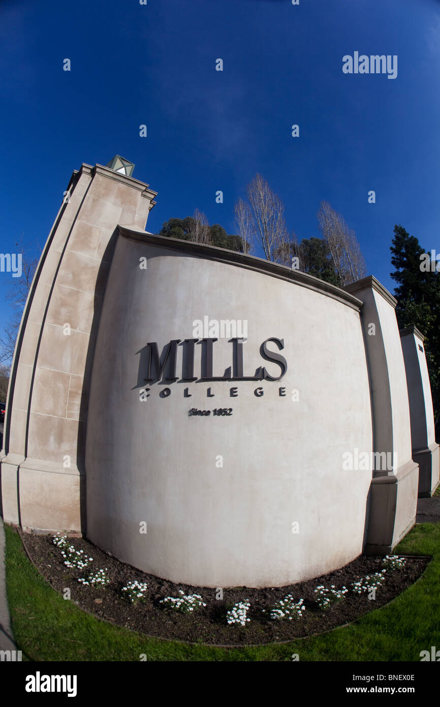 Entrance of Mills College in Oakland CA. - Stock Image