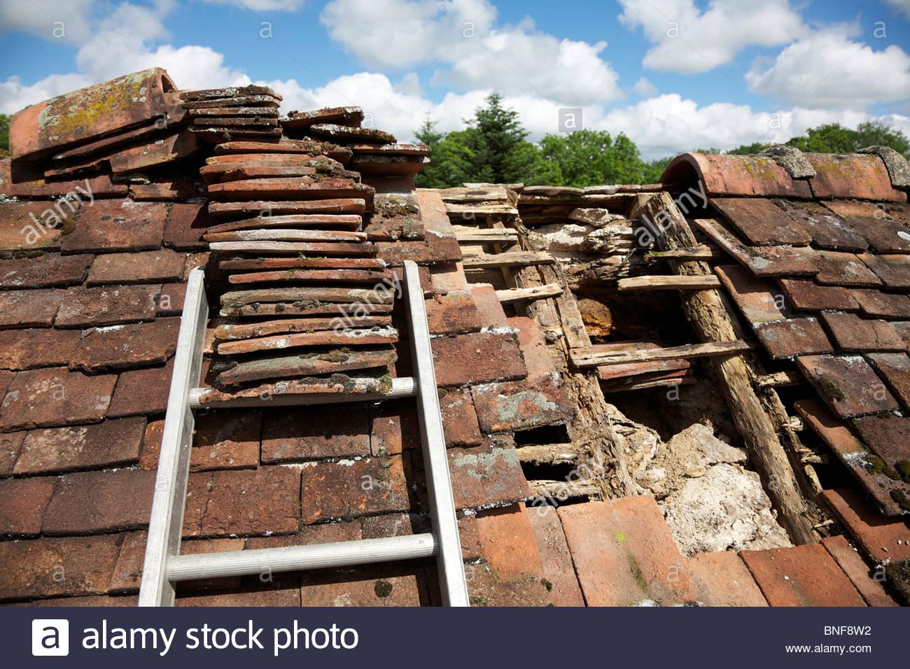 Old Broken Wood Rooftop Stock Photos Amp Old Broken Wood