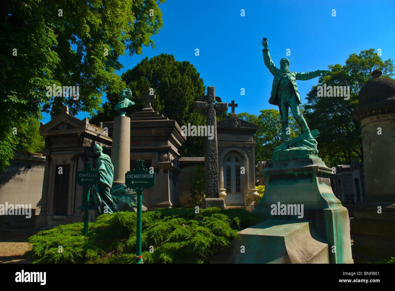 Cimetiere du Pere-Lachais 20th arrondissement Paris France Europe Stock Photo