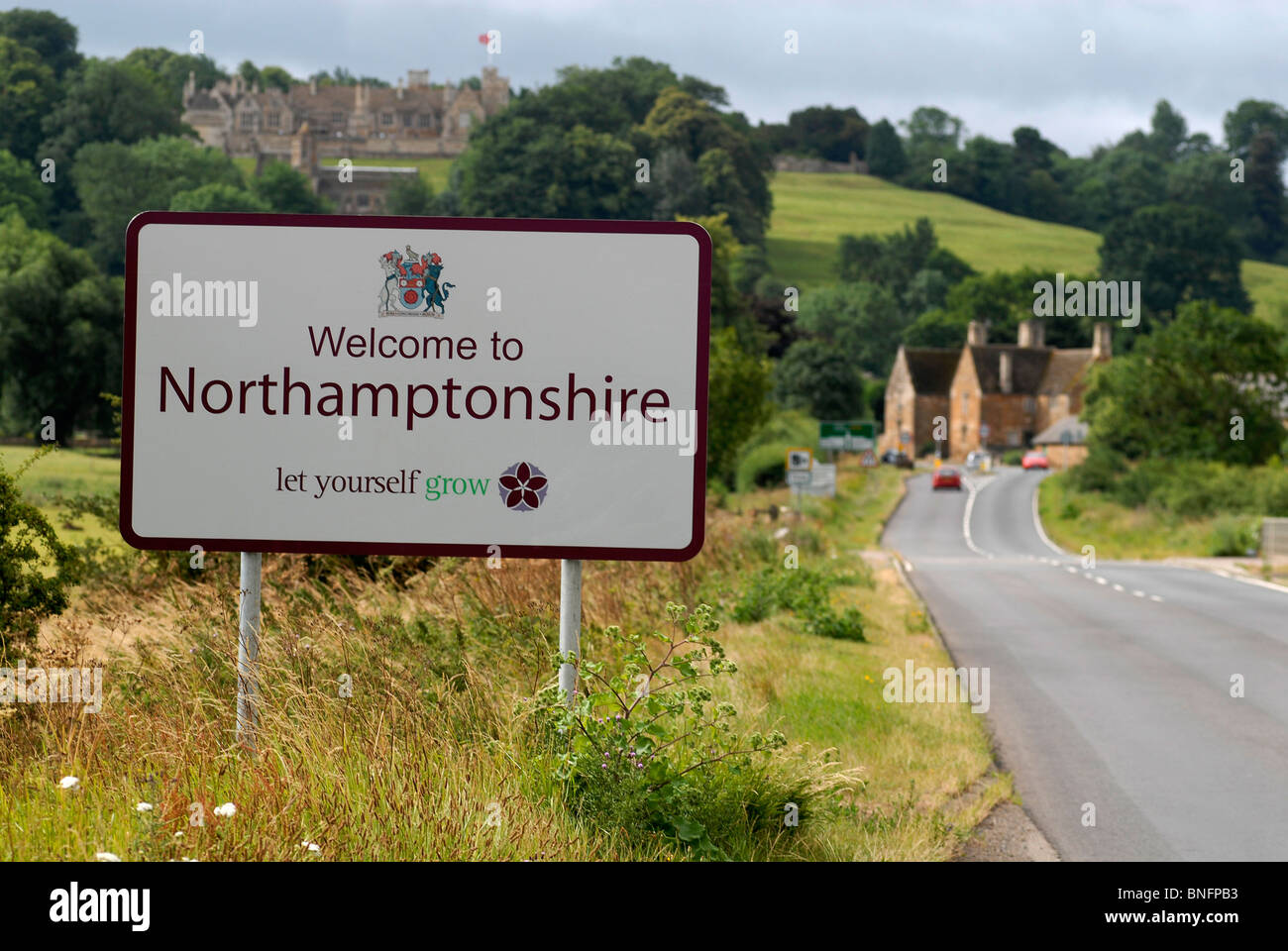The new welcome to Northants sign outside Rockingham, 15-July, 2010. Commission Bri0024489 PHOTO © JOHN ROBERTSON - Stock Image