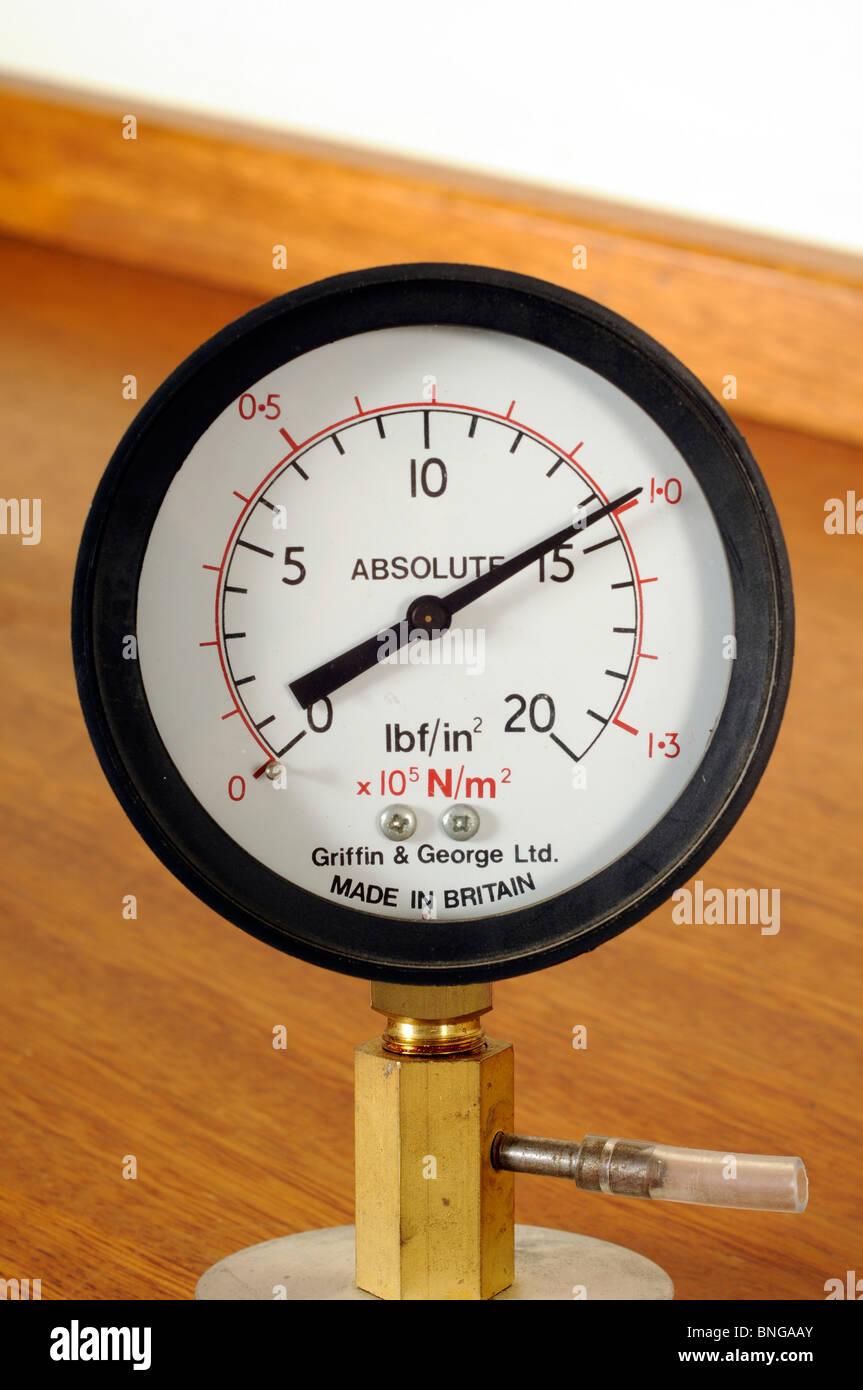 Pressure gauge (Bourdon Gauge) showing atmospheric pressure - Stock Image