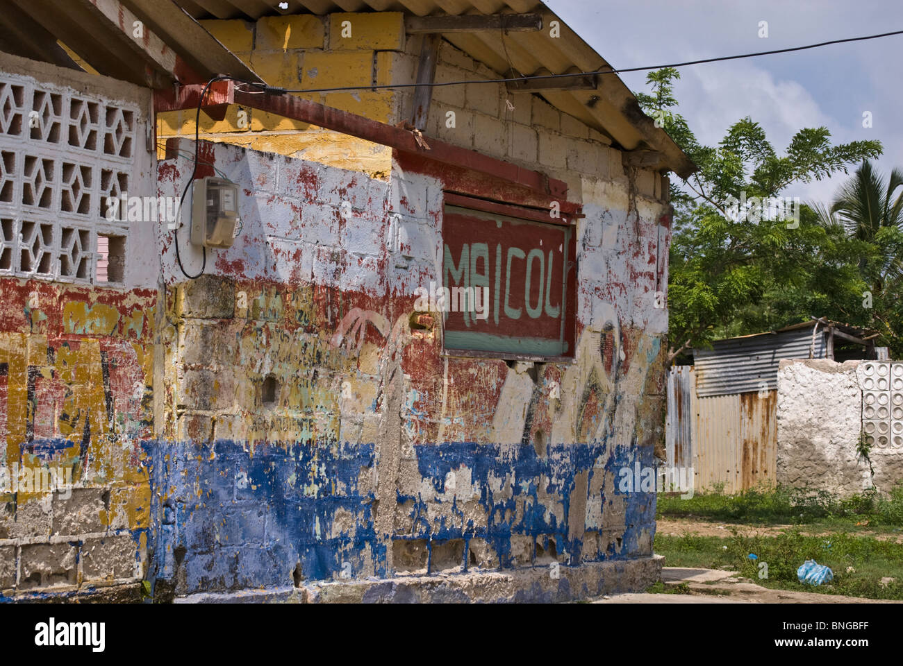 Close up shot of a run down house in the poor fishing village of Baru, Colombia, South America - Stock Image