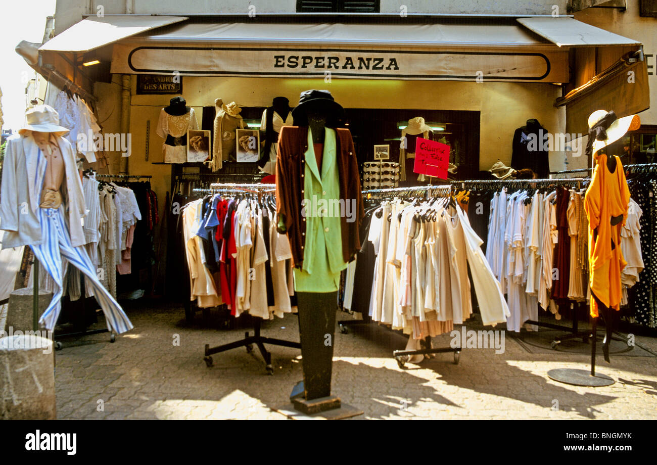a10a2c227 Ladies Fashion Shop In Paris France Europe Stock Photo: 30485831 - Alamy