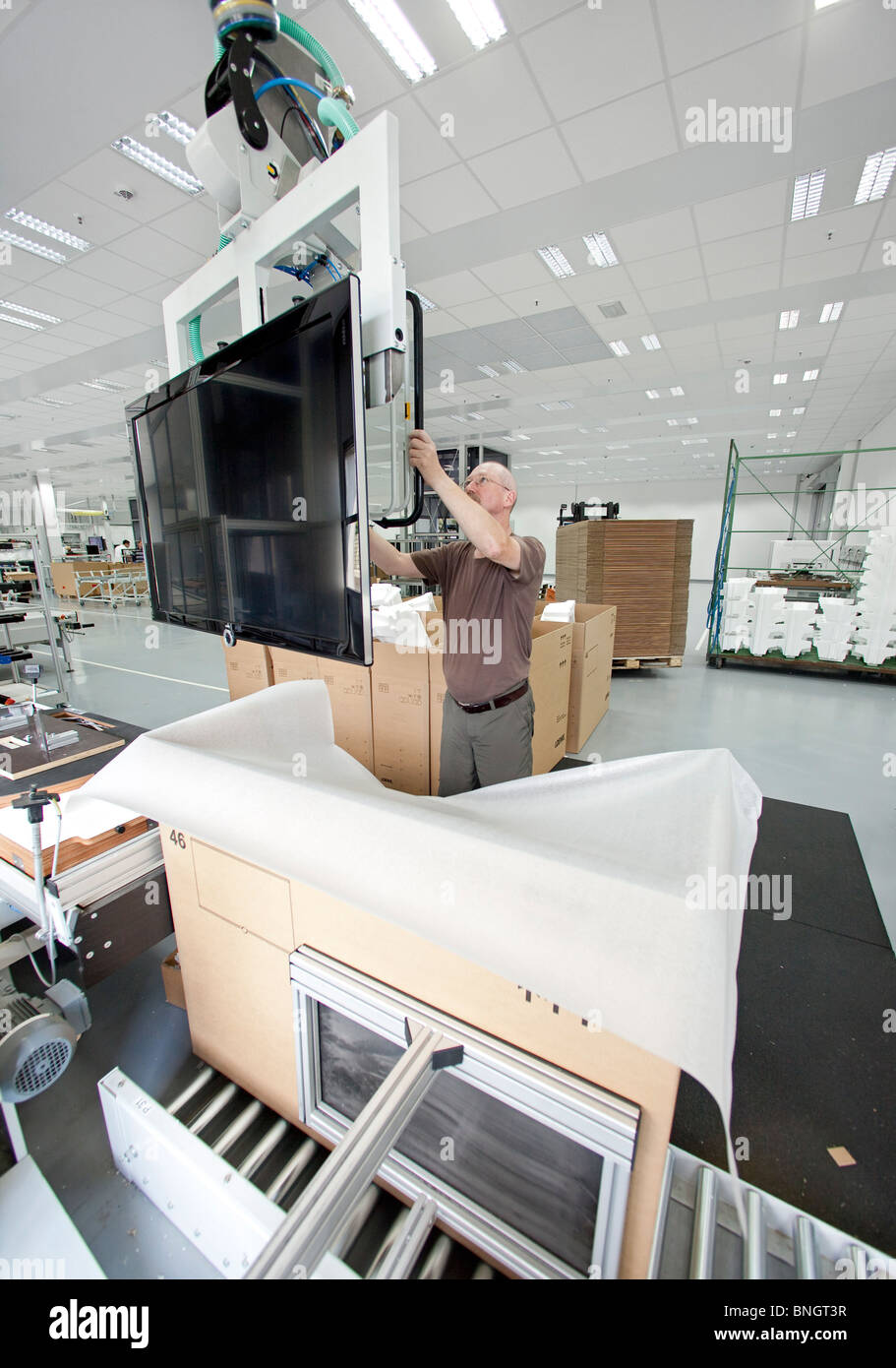 Production of high-value flat screen LCD television sets by Loewe AG: screens ready for shipping, Kronach, Germany - Stock Image