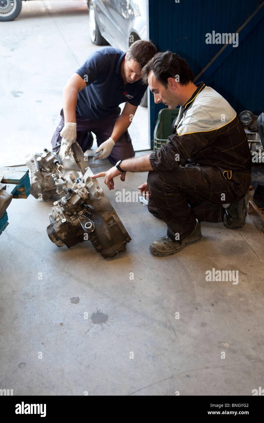 Observing car parts - Stock Image