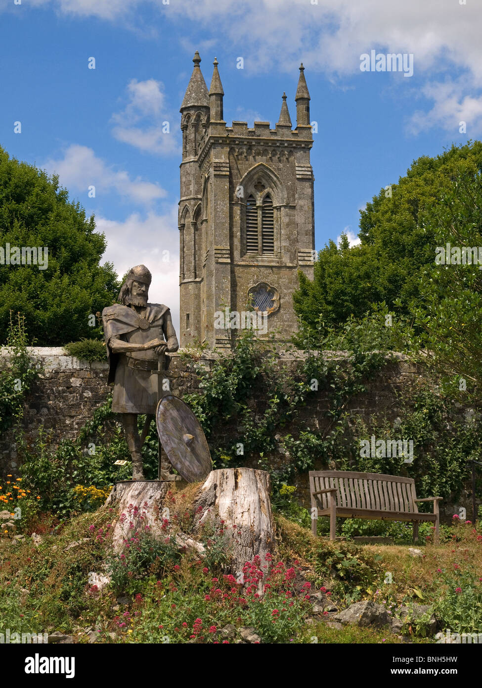 Statue of King Alfred in the ruins of Shaftesbury Abbey Dorset England UK - Stock Image