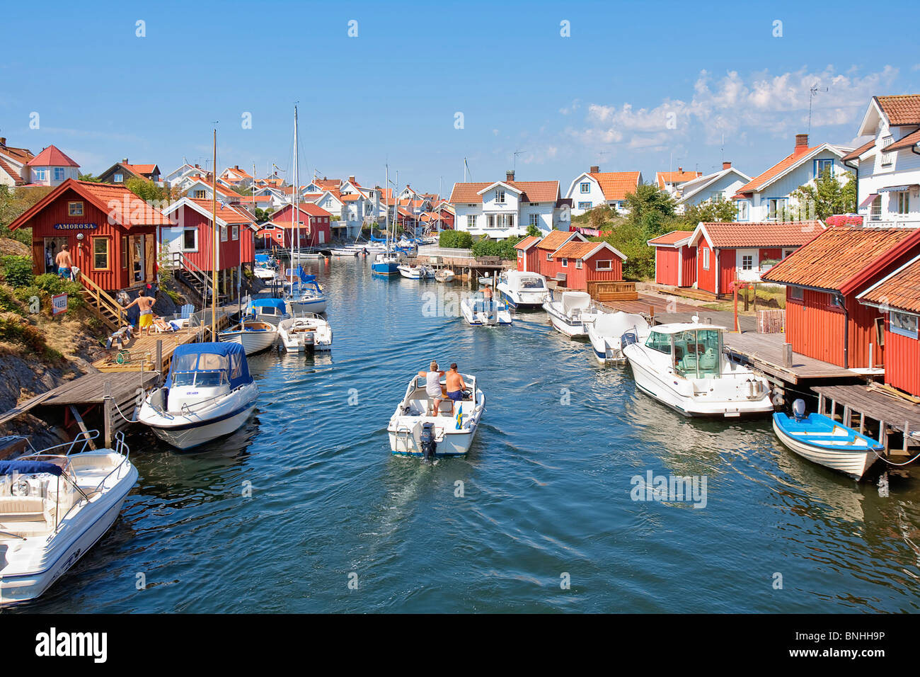Sweden Grundsund Bohuslän West Coast Archipelago Boat Boats Building Buildings Coastal Town Day Daytime Europe - Stock Image