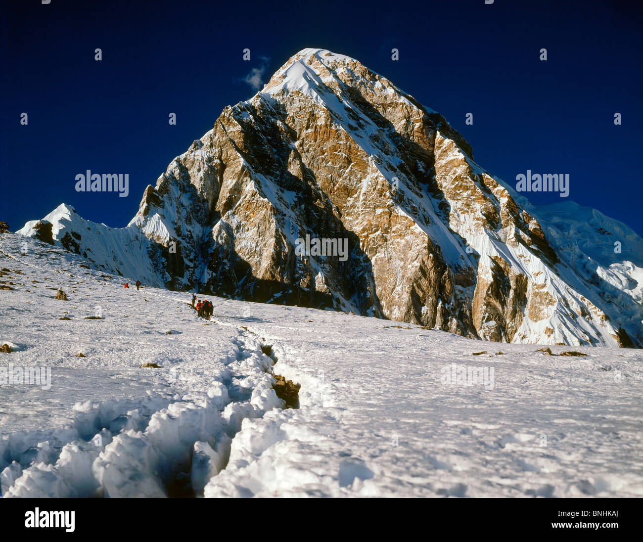 Pumori is a mountain in the Himalaya on the Nepal-Tibet border. Pumori lies Five miles west of Mount Everest. - Stock Image