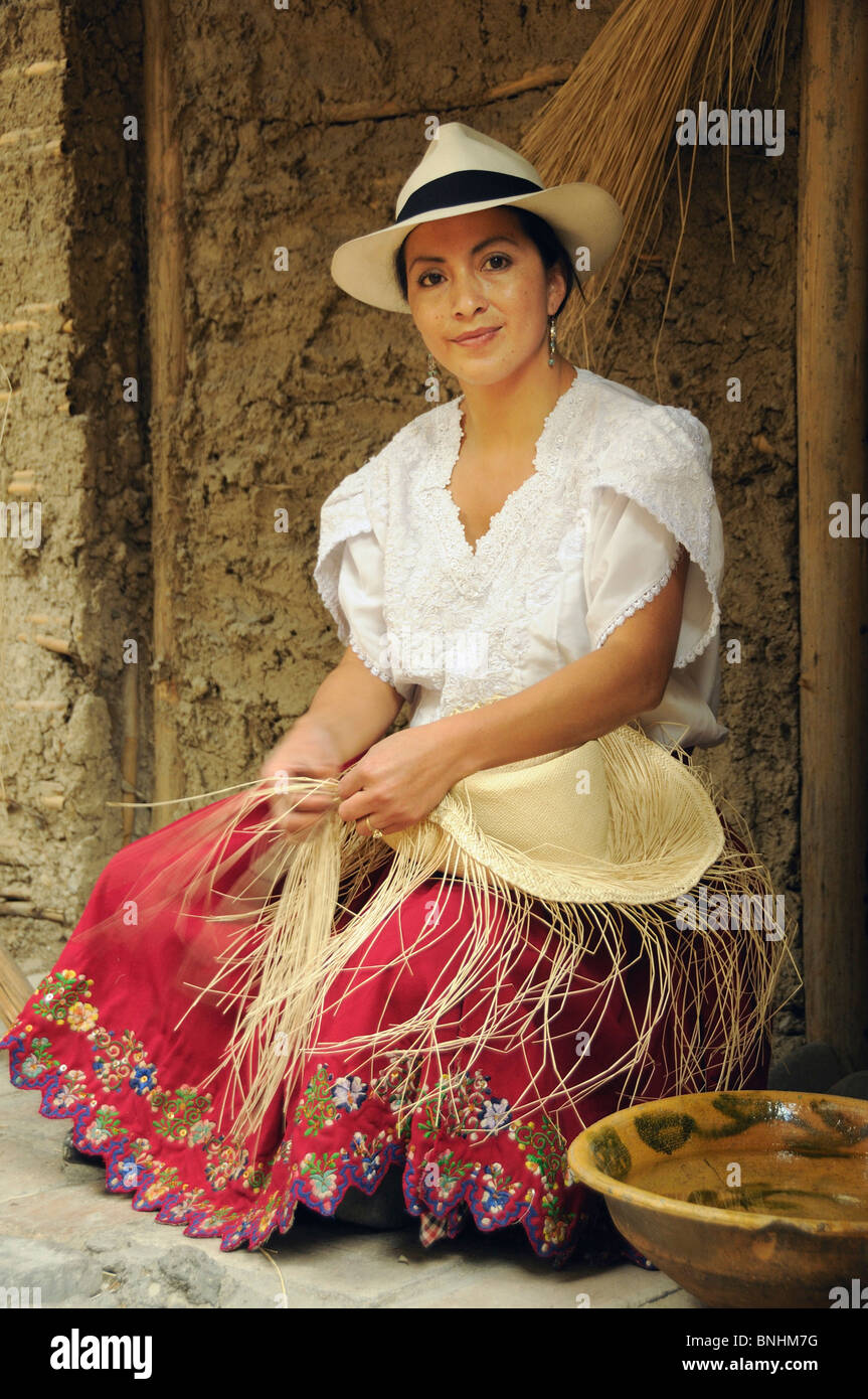 Ecuador Genuine Panama Hat Maker Cuenca city traditional weaving processing making work portrait handicraft craft - Stock Image