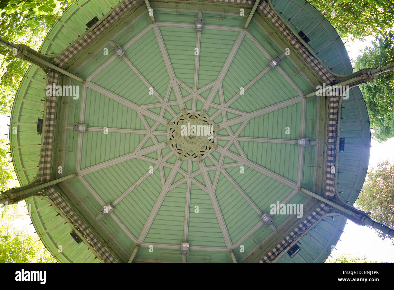 The bandstand of the hospital spring in the Vichy springs park (France). Le kiosque à musique de la source - Stock Image