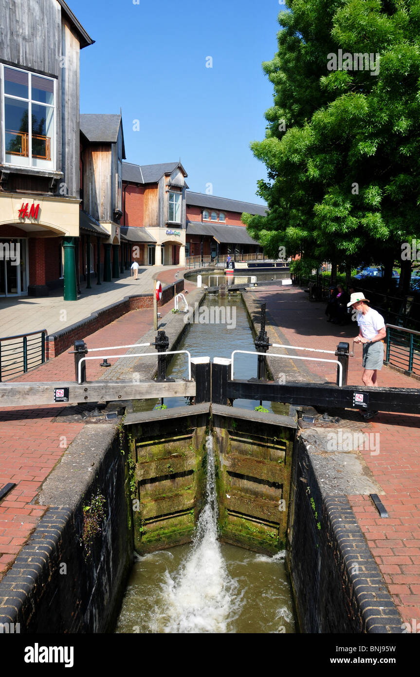 Lock on Oxford Canal at Banbury, Oxfordshire - Stock Image