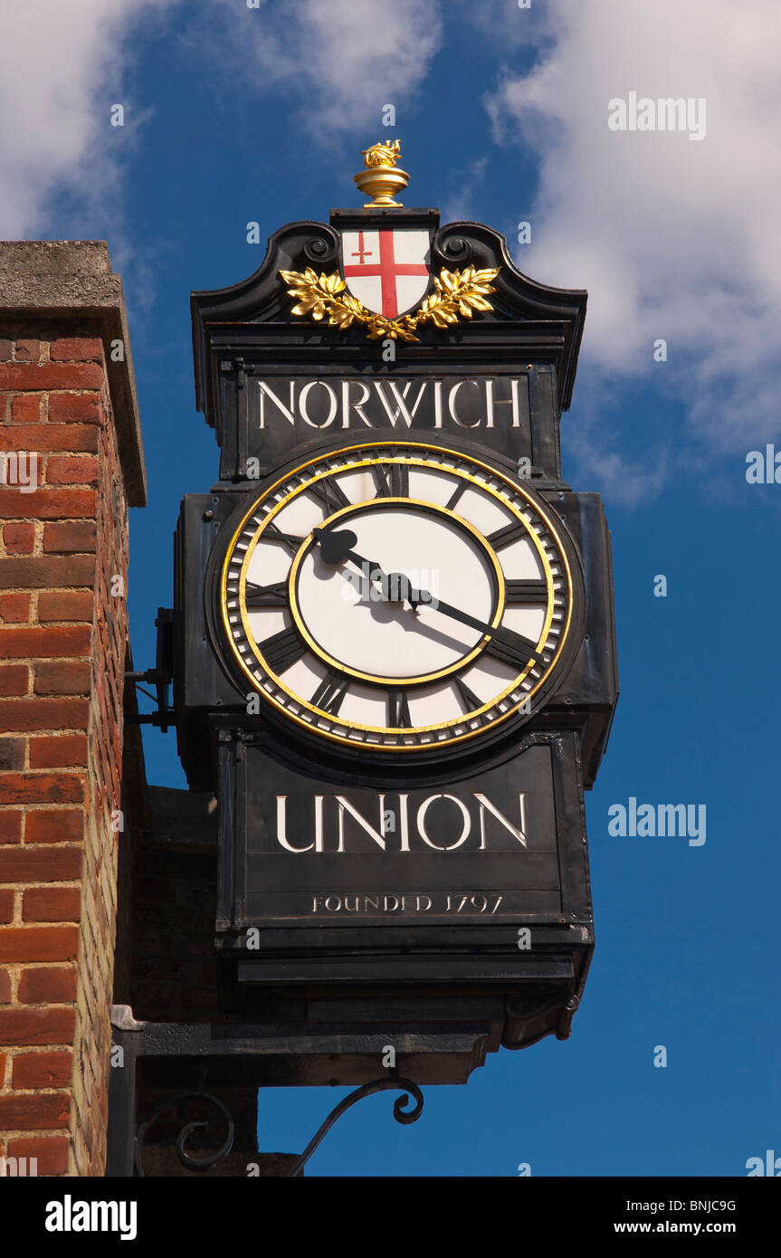 The Norwich Union clock ( now Aviva ) in Norwich , Norfolk , England , Great Britain , Uk - Stock Image