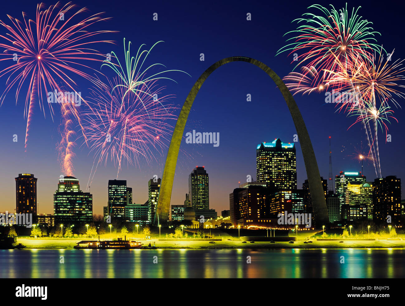 beautiful fireworks fill the night time sky of st louis skyline stock photo 30526809 alamy. Black Bedroom Furniture Sets. Home Design Ideas