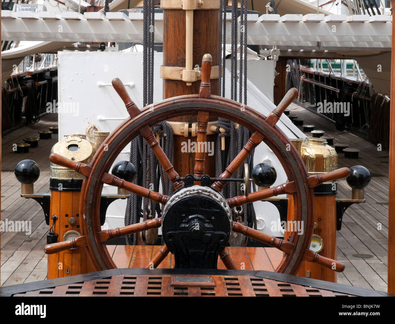 Steering Wheel on the RRS Discovery sailing ship in Dundee, Scotland - Stock Image